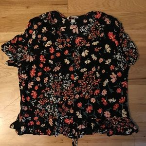 Blouse with Peplum Waist and Synch Detail